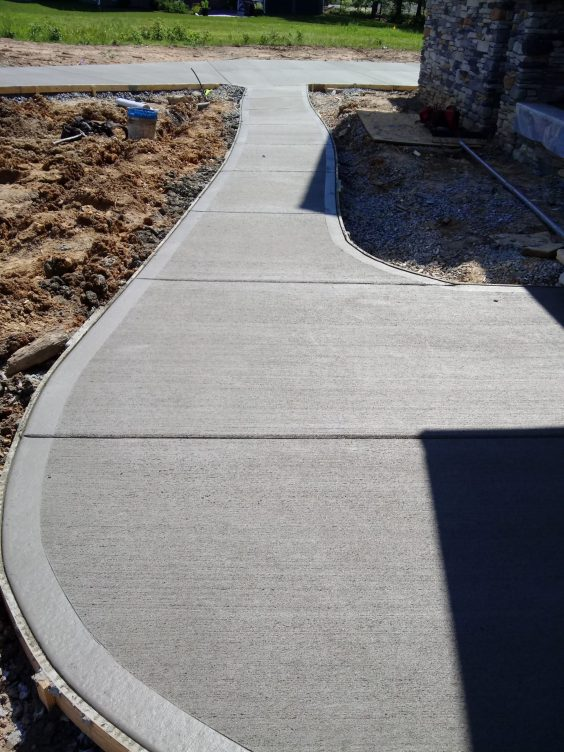 Broom-finished-Concrete-Driveway